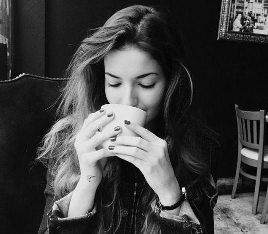 a6afeb75e6f2f2794c6af819915e5771-people-drinking-coffee-drinking-tea1.jpg