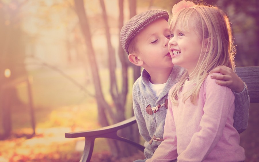 cute-baby-boy-kissing-a-cute-baby-girl-happy-friendship-moments-photography