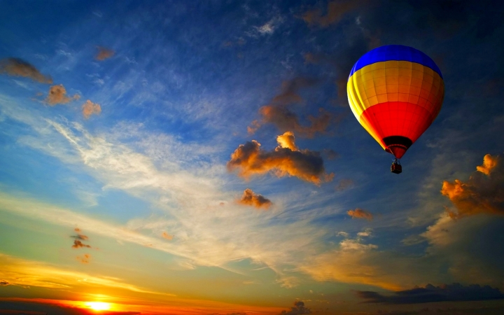 beautiful-hot-air-balloon-wallpaper-19611-20106-hd-wallpapers.jpg