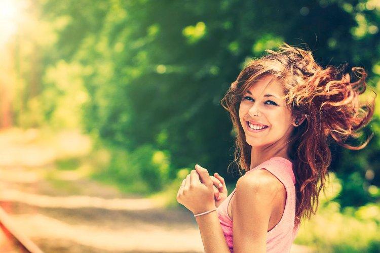 christina-anne-vick-smile-happiness-portrait-bokeh