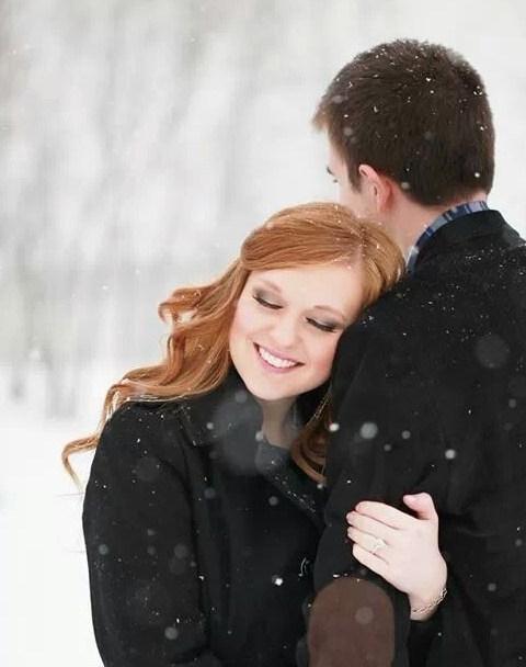 55e322ee764d5ea408eae9f5706ca067--winter-couple-pictures-winter-engagement-pictures