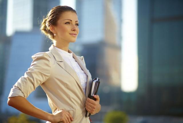 femeie-afacere-succes-inteligenta-640x429