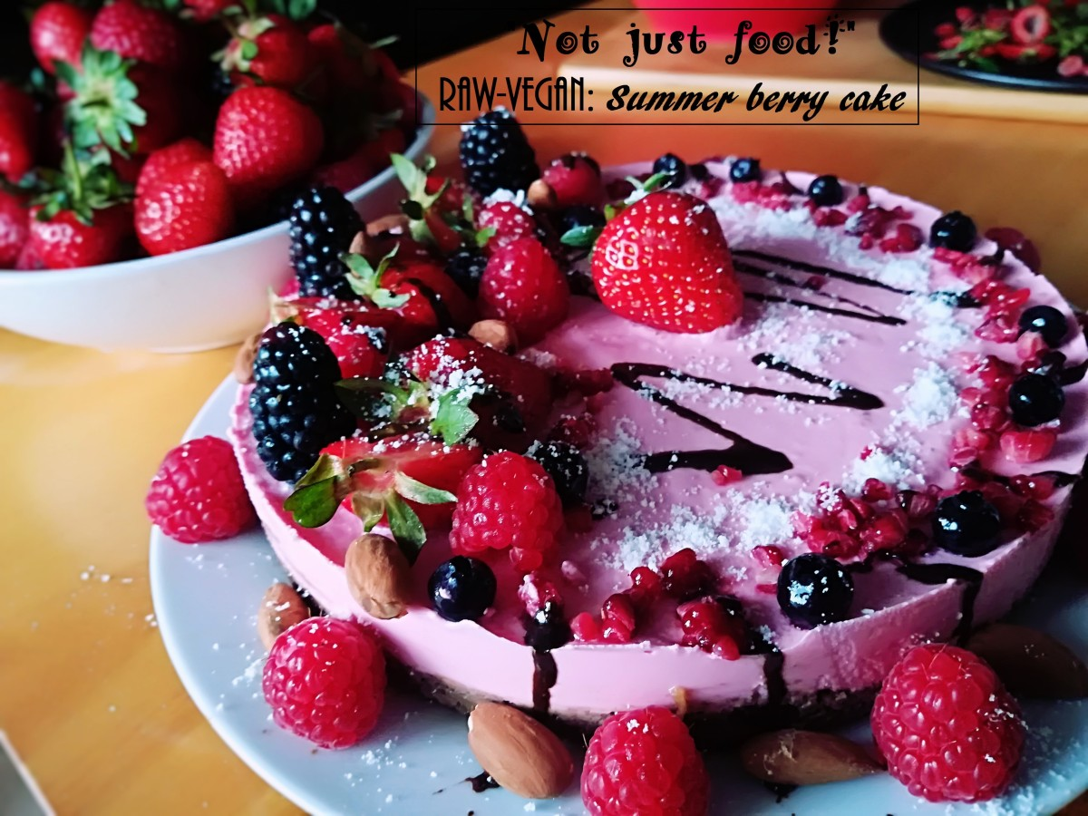 RAW-VEGAN: Summer, berry cake