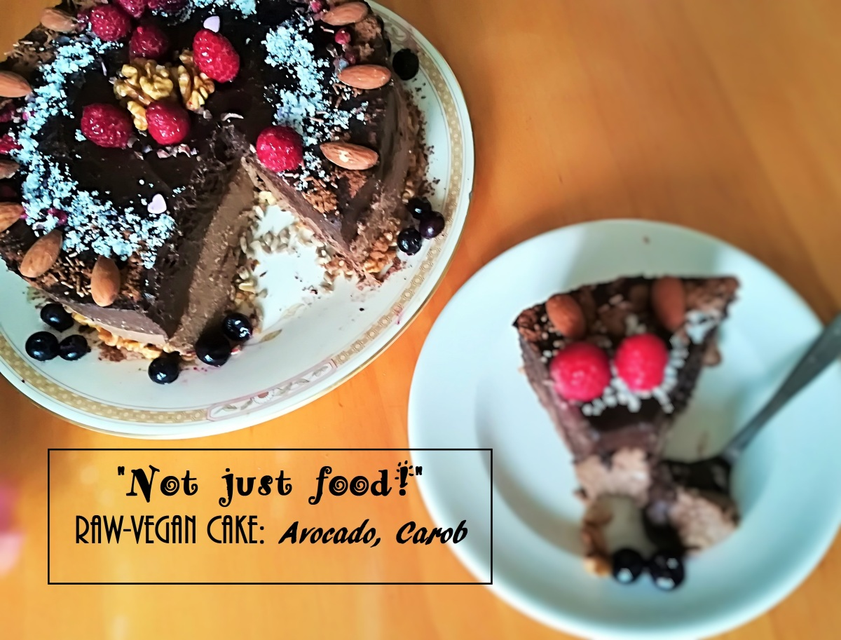 Vegan-Raw Cake: Avocado, Carob!